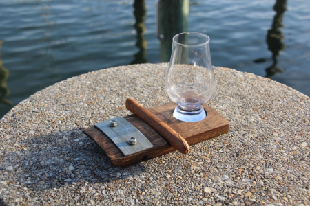 Single glencairn glass coaster with cigar holder